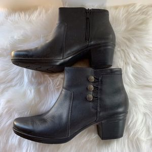 Clarks Collection Black Side Button Booties Sz 11